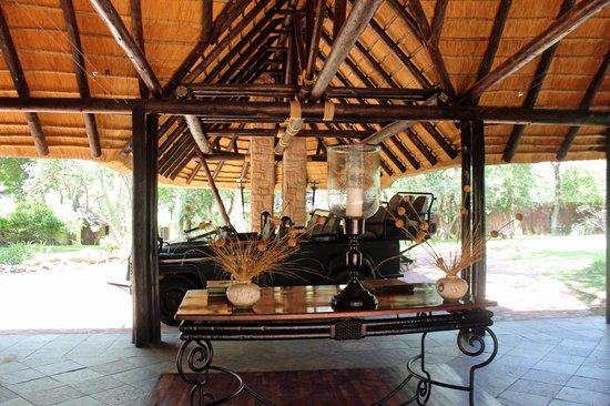 Shumbalala Game Lodge : Lodge Entrance