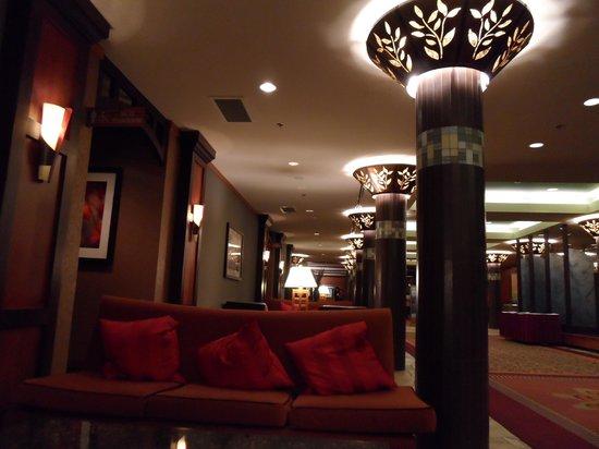 Harrison Hot Springs Resort & Spa: Main lobby