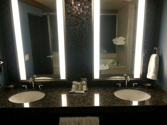 Menominee Casino Resort : His and hers