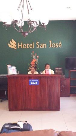 Hotel San Jose: Lobby