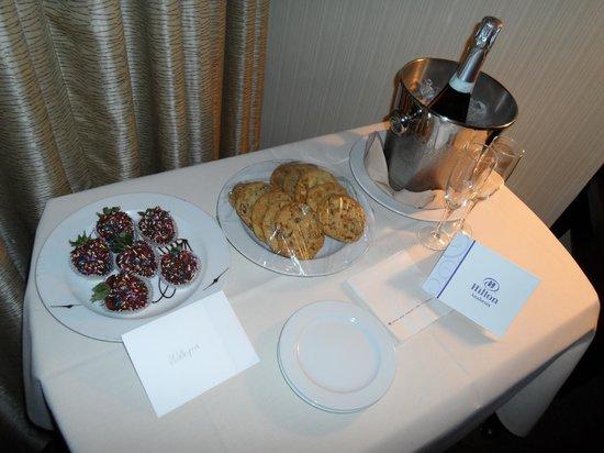 Hilton Anaheim : Birthday surprise given to my Grandmother