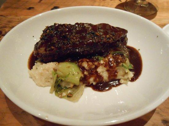 Hobnob Kitchen & Bar: Myer Beef Short Ribs
