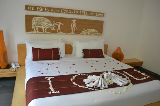 Bali Island Villas & Spa : Honeymoon Room Decoration