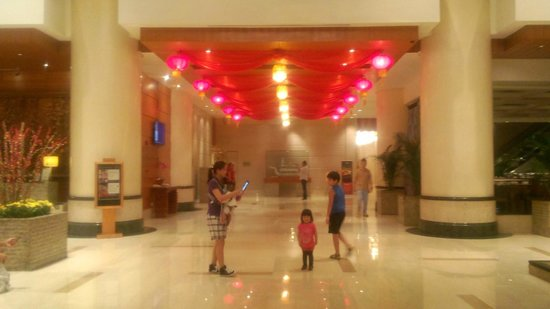 Pullman Kuala Lumpur City Centre Hotel And Residences : lobby is pretty much the same in the website