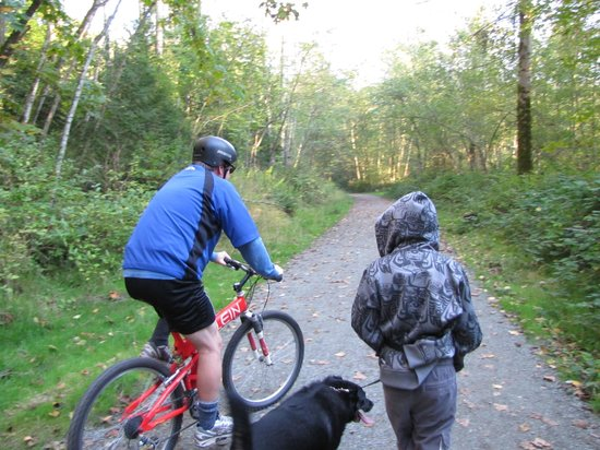 Watershed Park: kids, cycling, dog walking