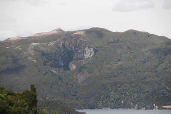Waimangu Volcanic Valley: Mount Tarawera