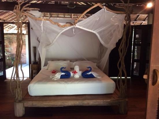 Koyao Island Resort: gorgeous, original bed