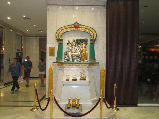 Holiday Inn Bangkok Silom: Hindu Gods