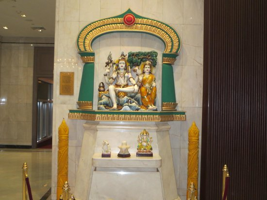 Holiday Inn Bangkok Silom: Hindu God/Godess
