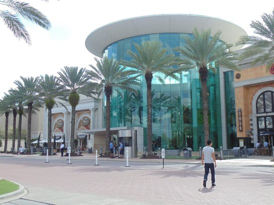The Mall at Millenia: Entrance of Millenia Mall