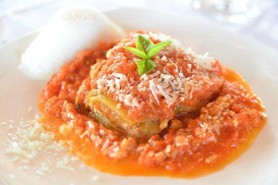 Restaurant Trattoria - La Terrasse: Our delighttful parmigiana...