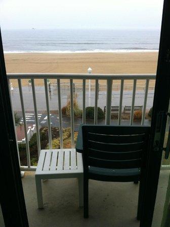 Holiday Inn & Suites North Beach : Beach view!