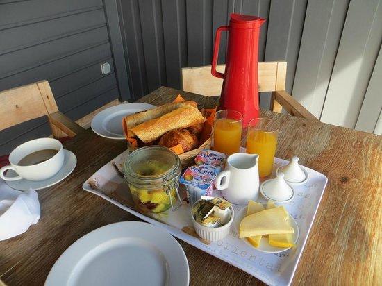 Karibuni Lodge : Delicious French breakfast
