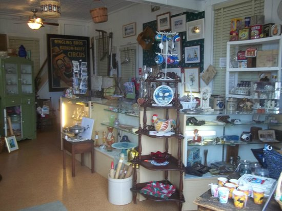 The Talbot House Inn: Our Antique&Gift Shop