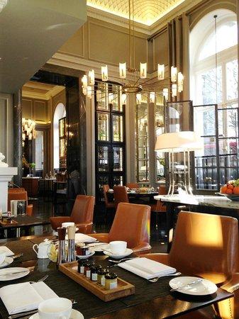 Corinthia Hotel London: North Hall restaurant