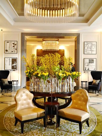 hotel lobby picture of corinthia hotel london london. Black Bedroom Furniture Sets. Home Design Ideas