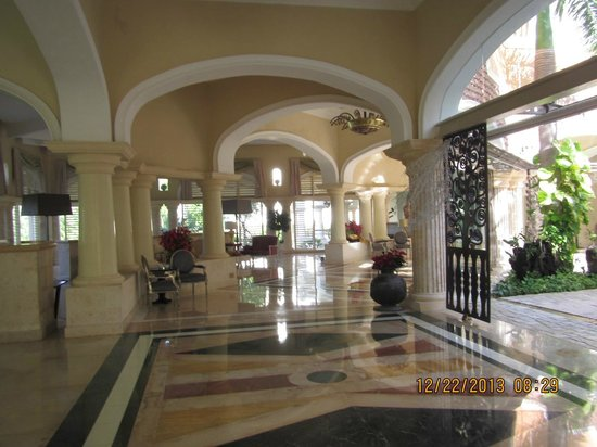 Iberostar Grand Hotel Bavaro : Hallways at Hotel