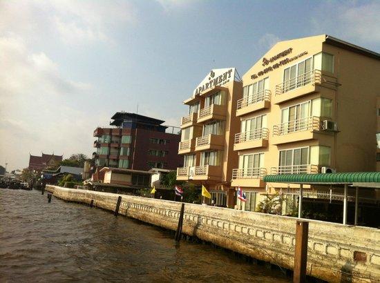 Baan Wanglang Riverside: View from pier