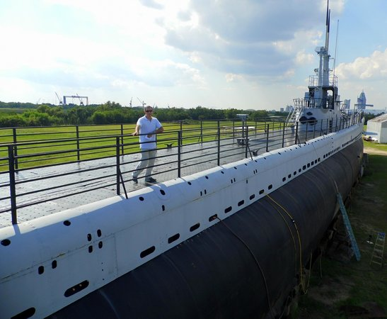 Battleship USS ALABAMA: Submarino USS Drum