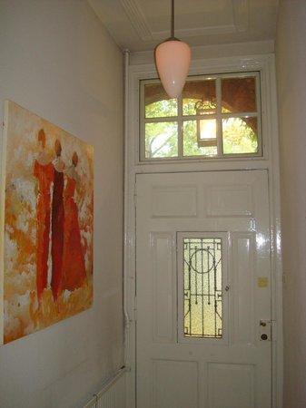 Sycamore: Entrance