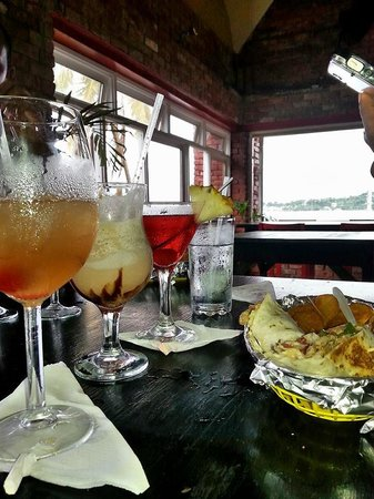 Timeout Sports Bar & Grill: Chicken Wraps and Some cocktails