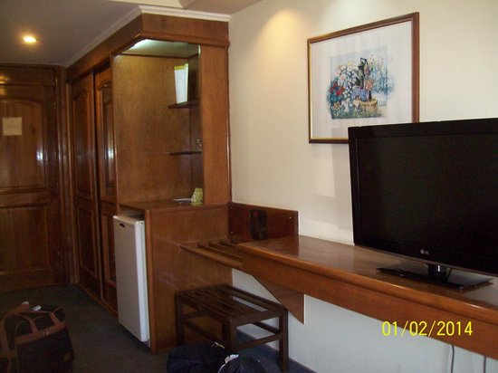 Exe Hotel Cataratas: Habitacion completa