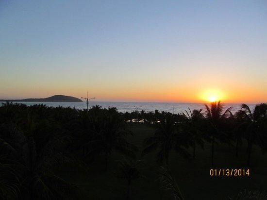 Pandanus Resort : Sunrise-worth getting up for