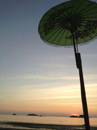 Mandalay Bar Kohchang: see the sunset ..!!