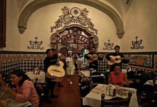 Cafe de Tacuba : el mariachi