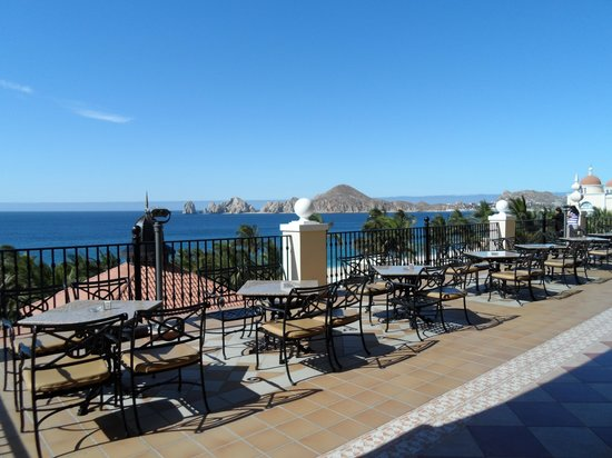 Hotel Riu Palace Cabo San Lucas: View from the Sports bar