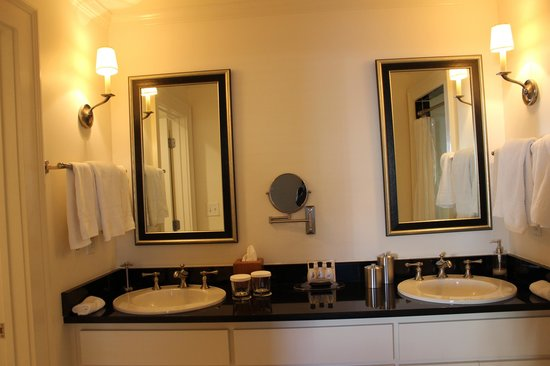 The James Madison Inn : Vanity