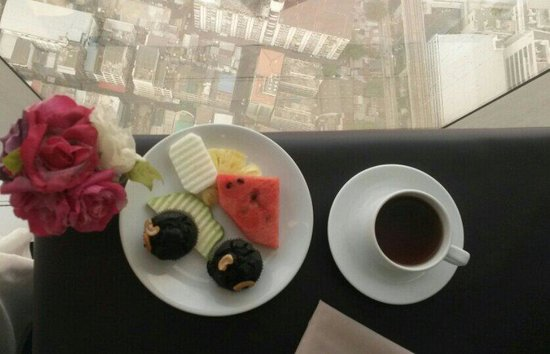 Baiyoke Sky Hotel: Breakfast in 78th floor