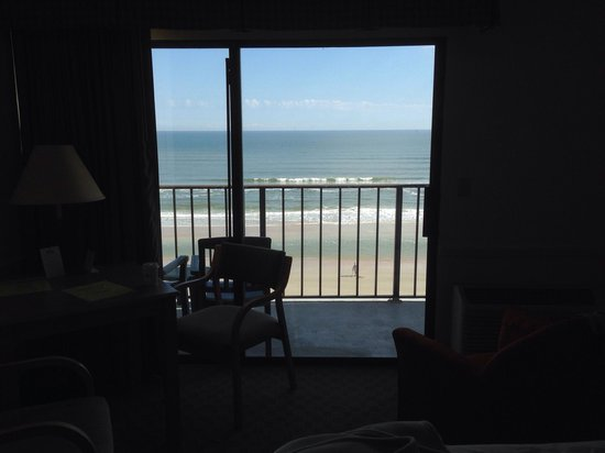 Days Inn Daytona Oceanfront: Hello beach