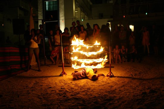 Beaches Ocho Rios Resort & Golf Club: Fire Limbo!