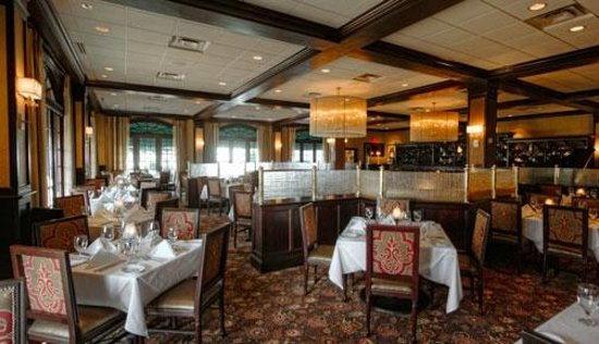 Ruth's Chris Steak House: THe dining room is lovely and quiet enough for romantic conversation, even when crowded.