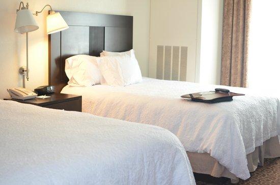 Hampton Inn Kingston: Both beds in the room..