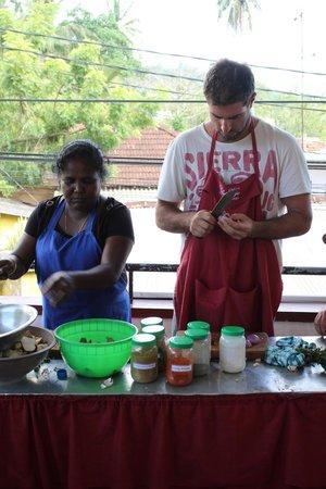 Karuna s Cooking Class @ Sonja's Healthfood Restaurant: Hands on prep.