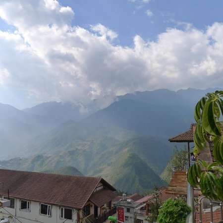 Sapa Luxury Hotel: The beautiful view from balcony