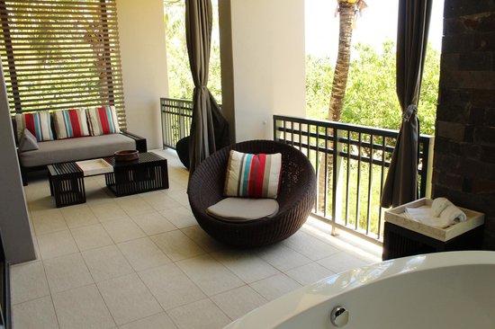 InterContinental Fiji Golf Resort & Spa : balcony