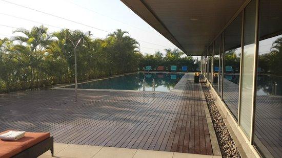 JW Marriott Hotel Pune : la piscine
