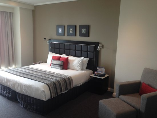 Meriton Serviced Apartments World Tower: Room