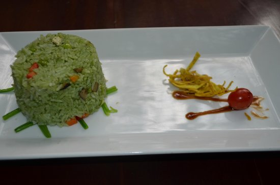 Hum Vegetarian, Café & Restaurant : Hum Vegetarian (2)