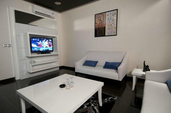 Dior Apartments : المجلس فى الجناح الملكي