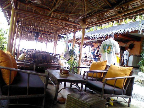 Oasis Resort : Bar et diving center