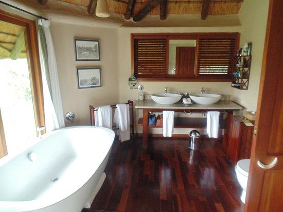 Ulusaba Safari Lodge: bathroom