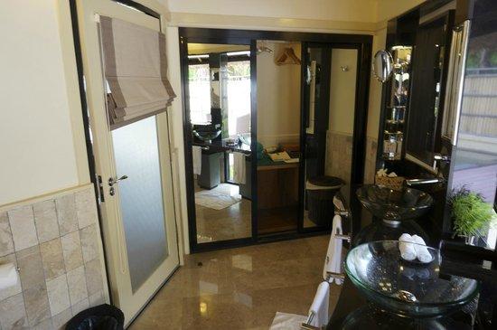 Banyan Tree Vabbinfaru: Bathroom