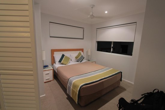 Koola Beach Apartments Bargara: room