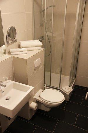 Pliening, Deutschland: Badezimmer