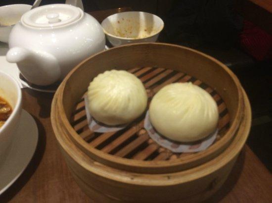 Din Tai Fung (Yee Wo Branch): Delicious pork buns