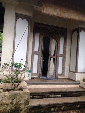 Dewangga Bungalow: My friends room